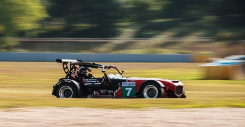 circuit-hero-600kms-pete-olson-caterham-zic